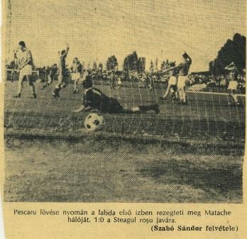 August. Mingea trimisă la odihnă în poarta piteşteană de către Nicolae Pescaru. A fost 3-0 pentru Steagu' în confruntarea cu Dinamo Piteşti.
