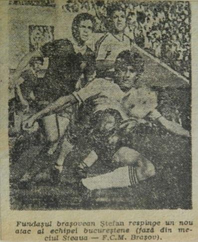 """25 mai 1983. Vasile Ştefan degajează pericolul. Meciul s-a încheiat 1-1, după ce """"stegarii"""" au condus 1-0, penalty-ul din care Steaua a egalat fiind provocat chiar de către eroul acestui articol."""