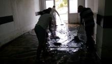 Vâslind apa de la vestiare