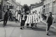 Corteo galben-negru pe străzile Bistriţei în septembrie 1991