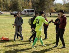 Mutu a petrecut minute bune după meci la fotografiat cu copiii Berivoiului.