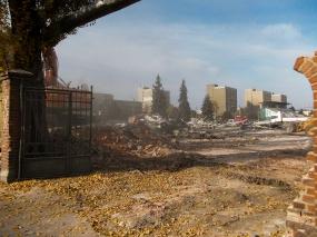 Demolare sala Tractorul, octombrie 2013