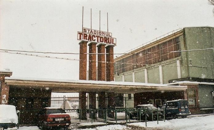 Stadionul Tractorul în 1999