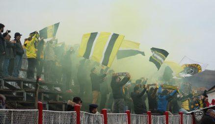 """""""Haide, haide, Steagule! Du-ne la victorie!"""" - vers pe bune din imnul echipei care chiar se cânta în acel moment."""