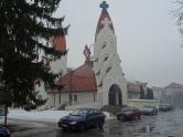 O biserică demenţială