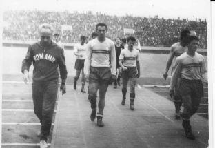 Silviu Ploeşteanu şi Tricolorii după eliminarea în faţa Ungariei la Jocurile Olimpice Tokyo 1964